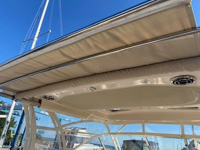 2014 Grady-White boat for sale, model of the boat is 335 FREEDOM & Image # 4 of 33