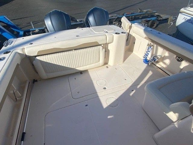 2014 Grady-White boat for sale, model of the boat is 335 FREEDOM & Image # 8 of 33