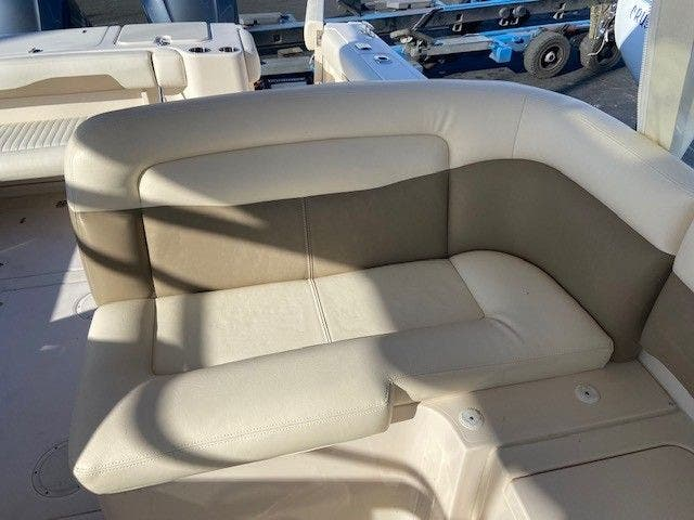 2014 Grady-White boat for sale, model of the boat is 335 FREEDOM & Image # 12 of 33