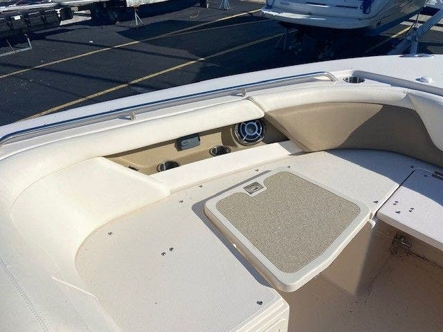 2014 Grady-White boat for sale, model of the boat is 335 FREEDOM & Image # 16 of 33