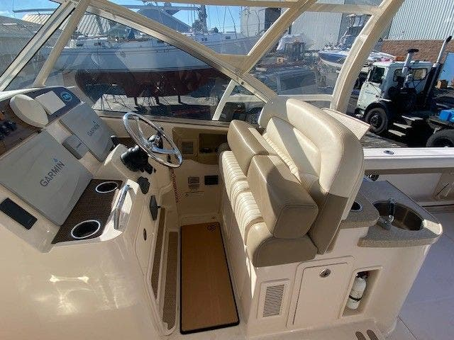 2014 Grady-White boat for sale, model of the boat is 335 FREEDOM & Image # 20 of 33