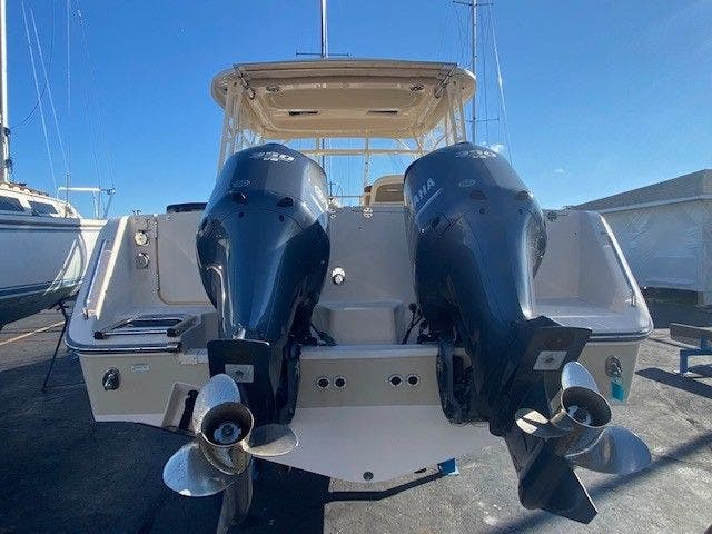 2014 Grady-White boat for sale, model of the boat is 335 FREEDOM & Image # 33 of 33