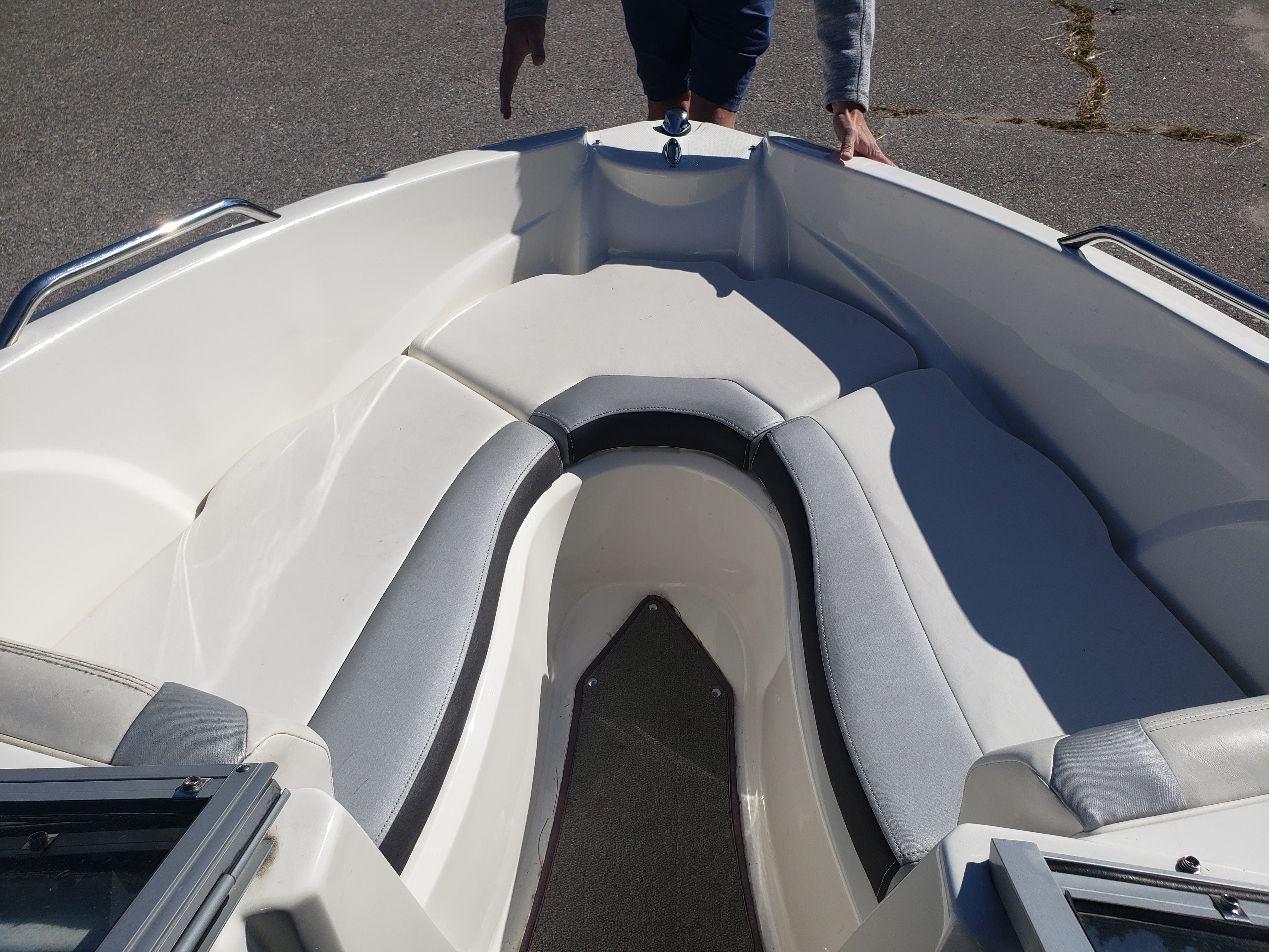 2014 Larson boat for sale, model of the boat is LX 195 S & Image # 3 of 10
