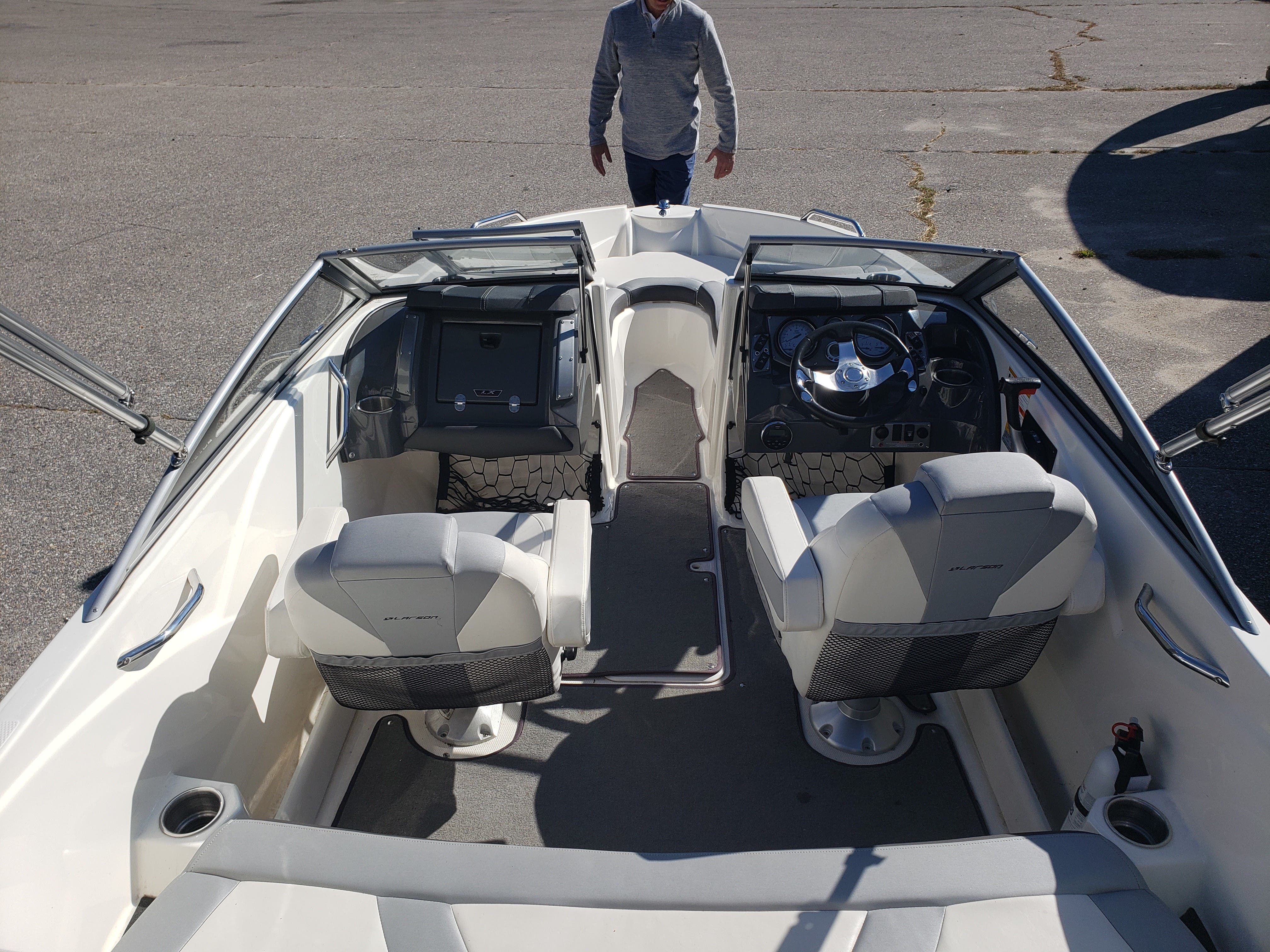 2014 Larson boat for sale, model of the boat is LX 195 S & Image # 7 of 10