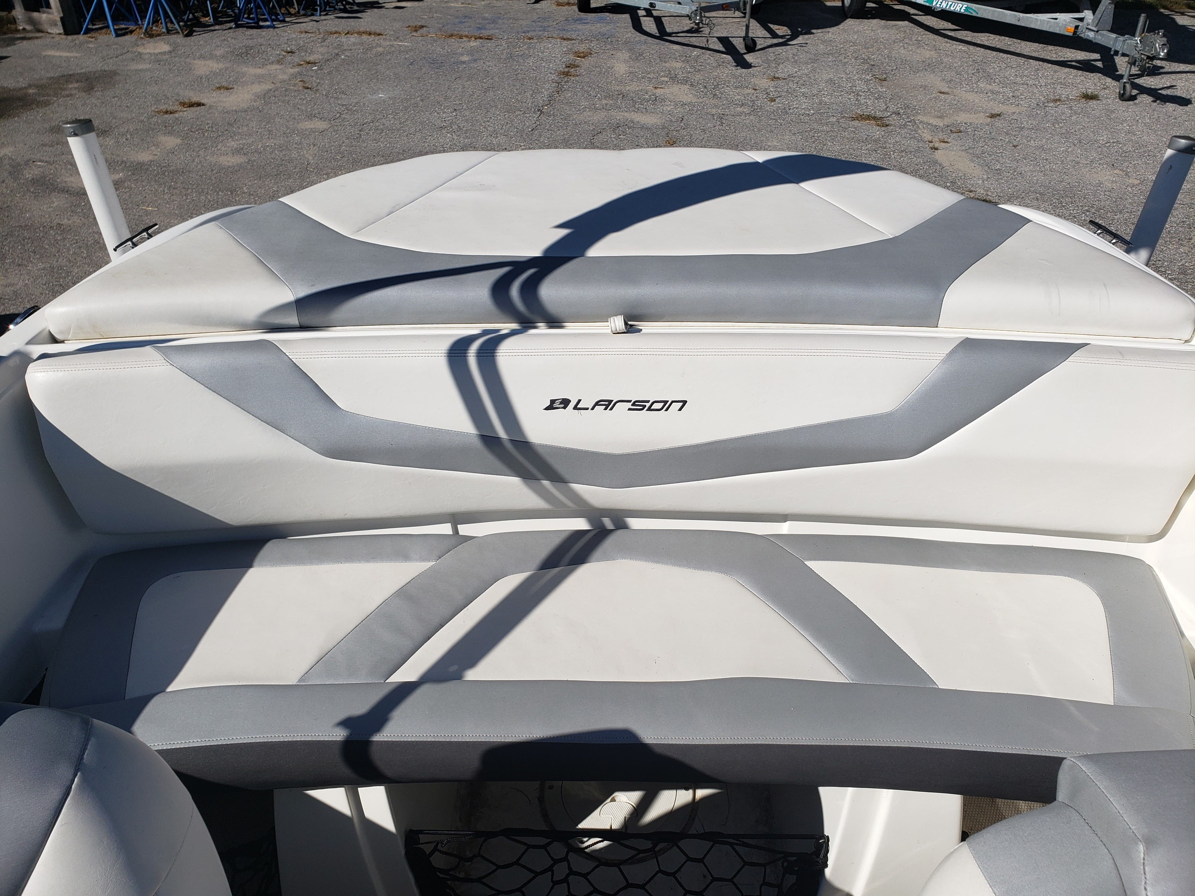 2014 Larson boat for sale, model of the boat is LX 195 S & Image # 8 of 10