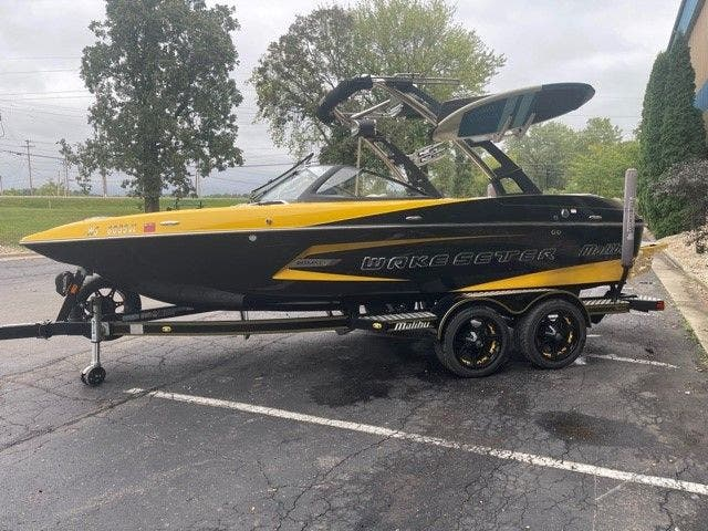2014 Malibu boat for sale, model of the boat is 20 MXZ & Image # 4 of 20