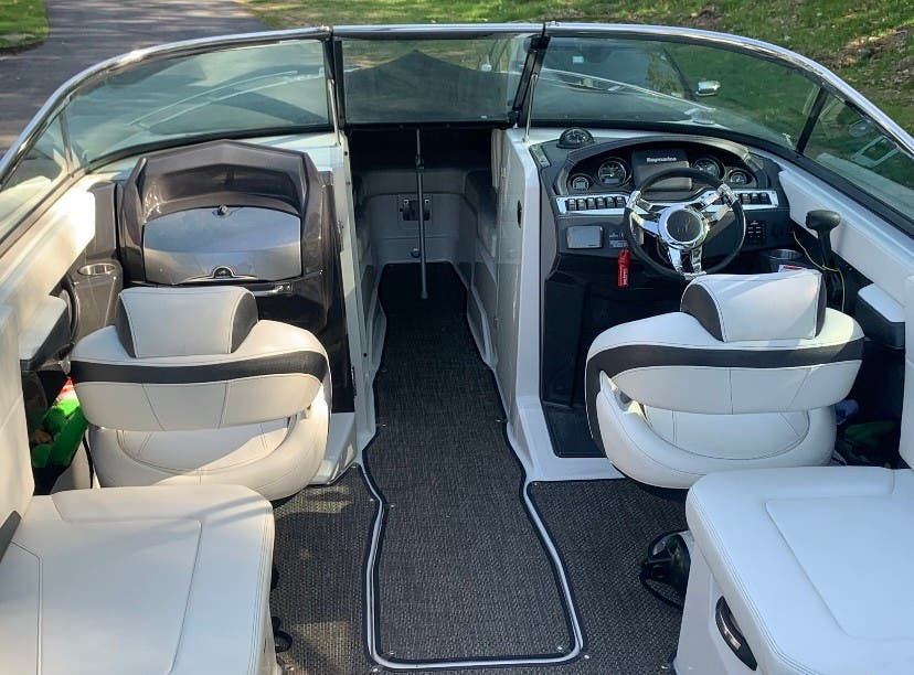 2014 Monterey boat for sale, model of the boat is 268SS & Image # 6 of 8