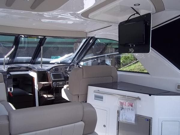 2014 Regal boat for sale, model of the boat is 35sc & Image # 5 of 10