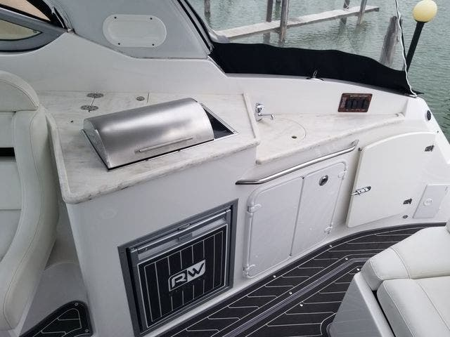 2014 Rinker boat for sale, model of the boat is 310 EC & Image # 7 of 34