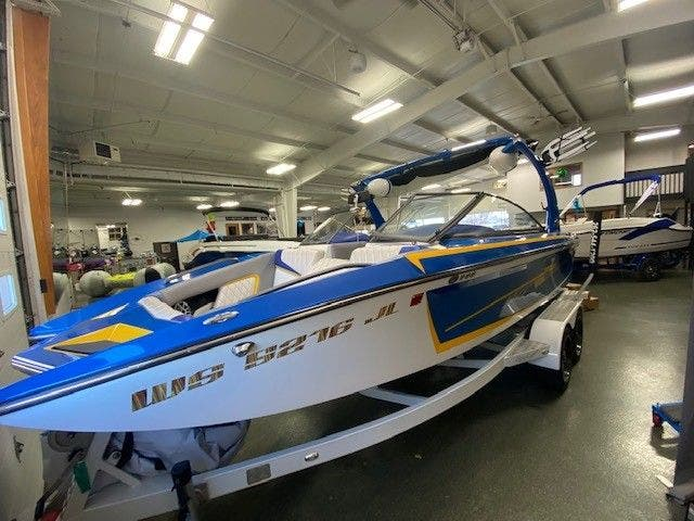 2014 Tige boat for sale, model of the boat is RZ2 & Image # 3 of 15