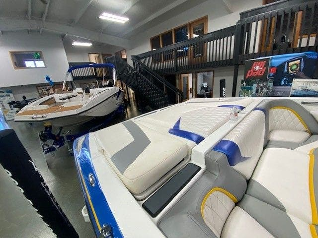 2014 Tige boat for sale, model of the boat is RZ2 & Image # 5 of 15