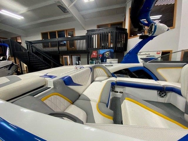 2014 Tige boat for sale, model of the boat is RZ2 & Image # 6 of 15