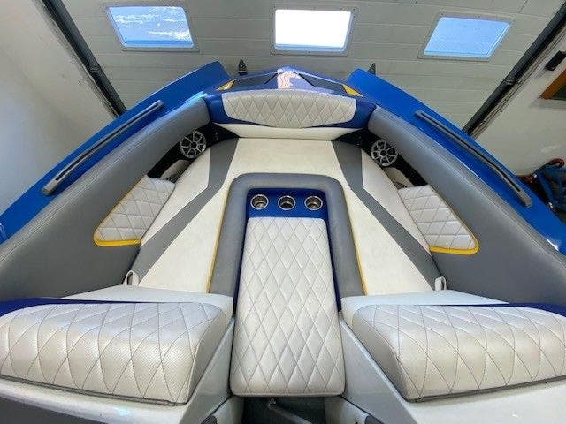 2014 Tige boat for sale, model of the boat is RZ2 & Image # 8 of 15