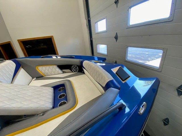 2014 Tige boat for sale, model of the boat is RZ2 & Image # 9 of 15