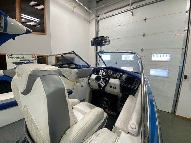 2014 Tige boat for sale, model of the boat is RZ2 & Image # 10 of 15