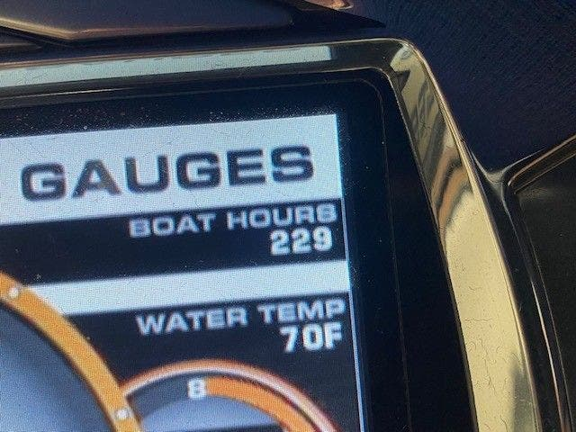 2014 Tige boat for sale, model of the boat is RZ2 & Image # 12 of 15