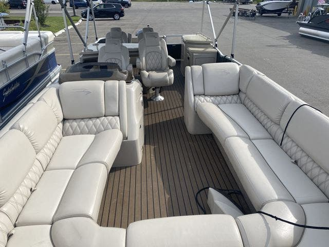 2015 Bennington boat for sale, model of the boat is 2575 RSD & Image # 5 of 11