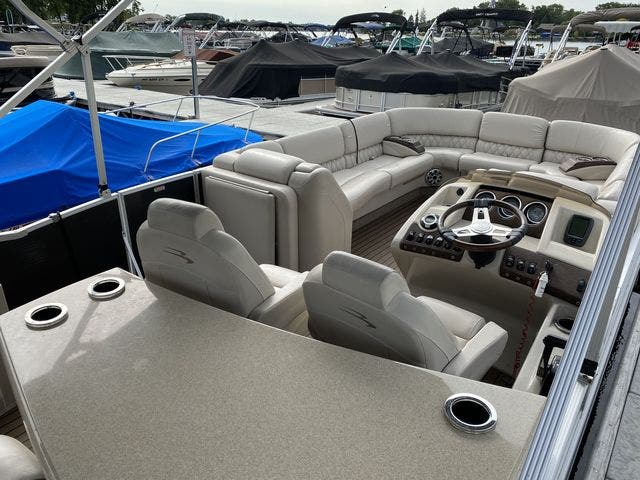 2015 Bennington boat for sale, model of the boat is 2575 RSD & Image # 6 of 11