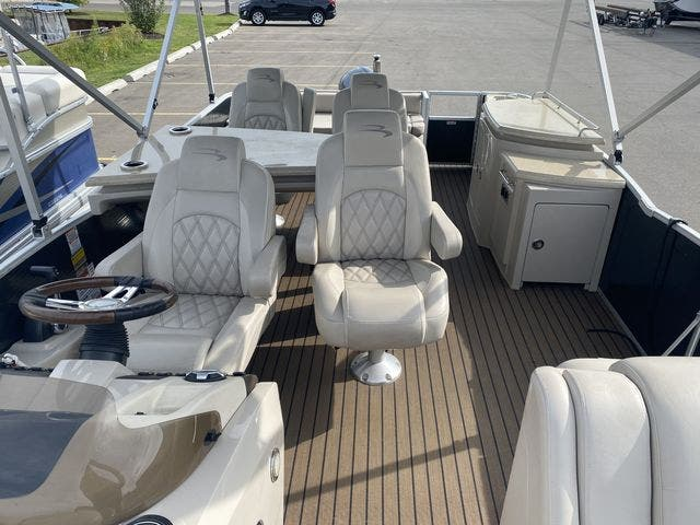 2015 Bennington boat for sale, model of the boat is 2575 RSD & Image # 10 of 11