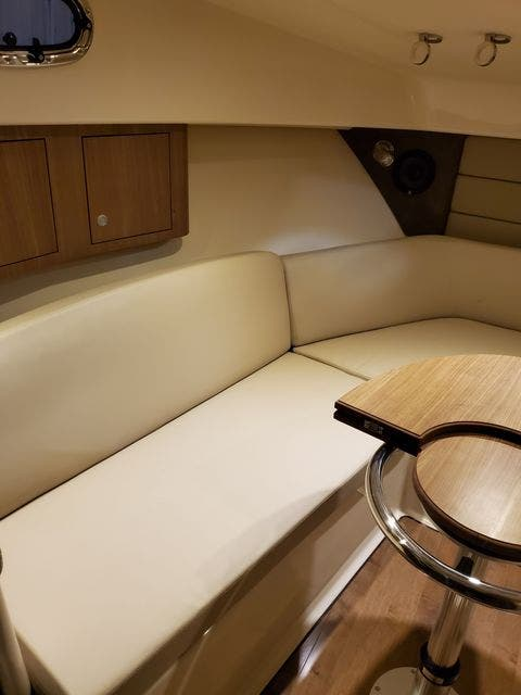 2015 Boston Whaler boat for sale, model of the boat is 315 CONQUEST & Image # 29 of 34