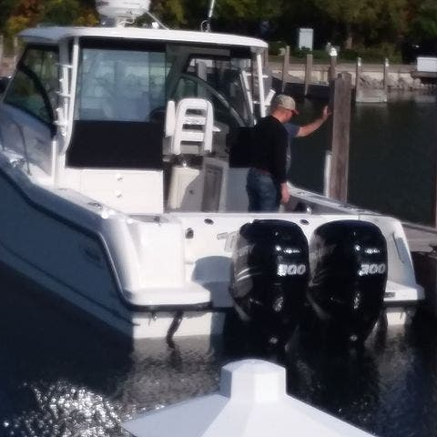 2015 Boston Whaler boat for sale, model of the boat is 315 CONQUEST & Image # 34 of 34