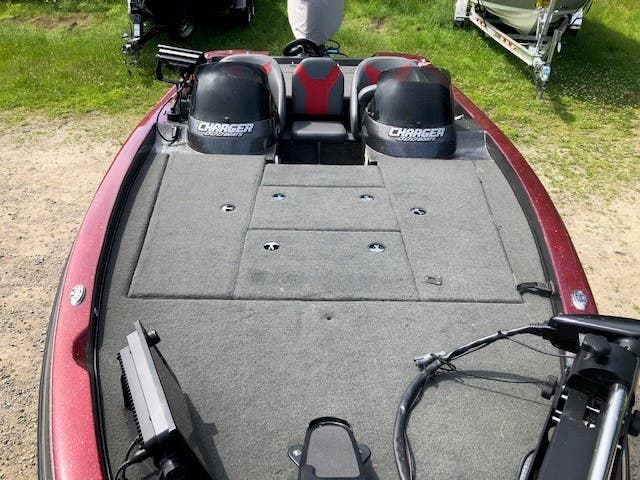 2015 Charger boat for sale, model of the boat is 396tf & Image # 8 of 13