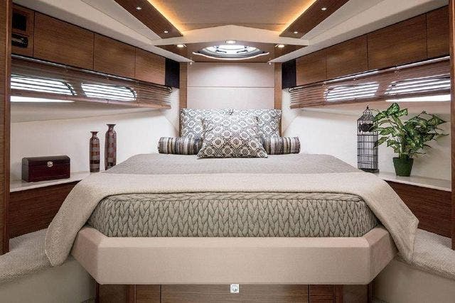 2015 Cruisers Yachts boat for sale, model of the boat is 45 CANTIUS BD & Image # 15 of 18