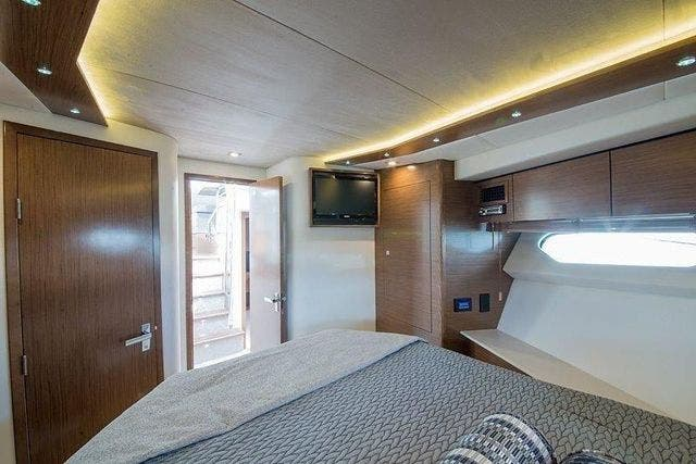 2015 Cruisers Yachts boat for sale, model of the boat is 45 CANTIUS BD & Image # 16 of 18
