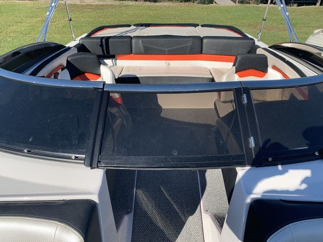 2015 Four Winns boat for sale, model of the boat is 210H & Image # 9 of 18