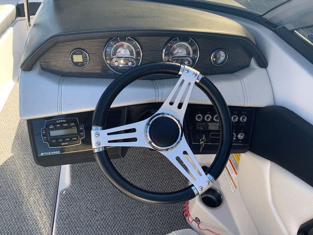 2015 Four Winns boat for sale, model of the boat is 210H & Image # 13 of 18
