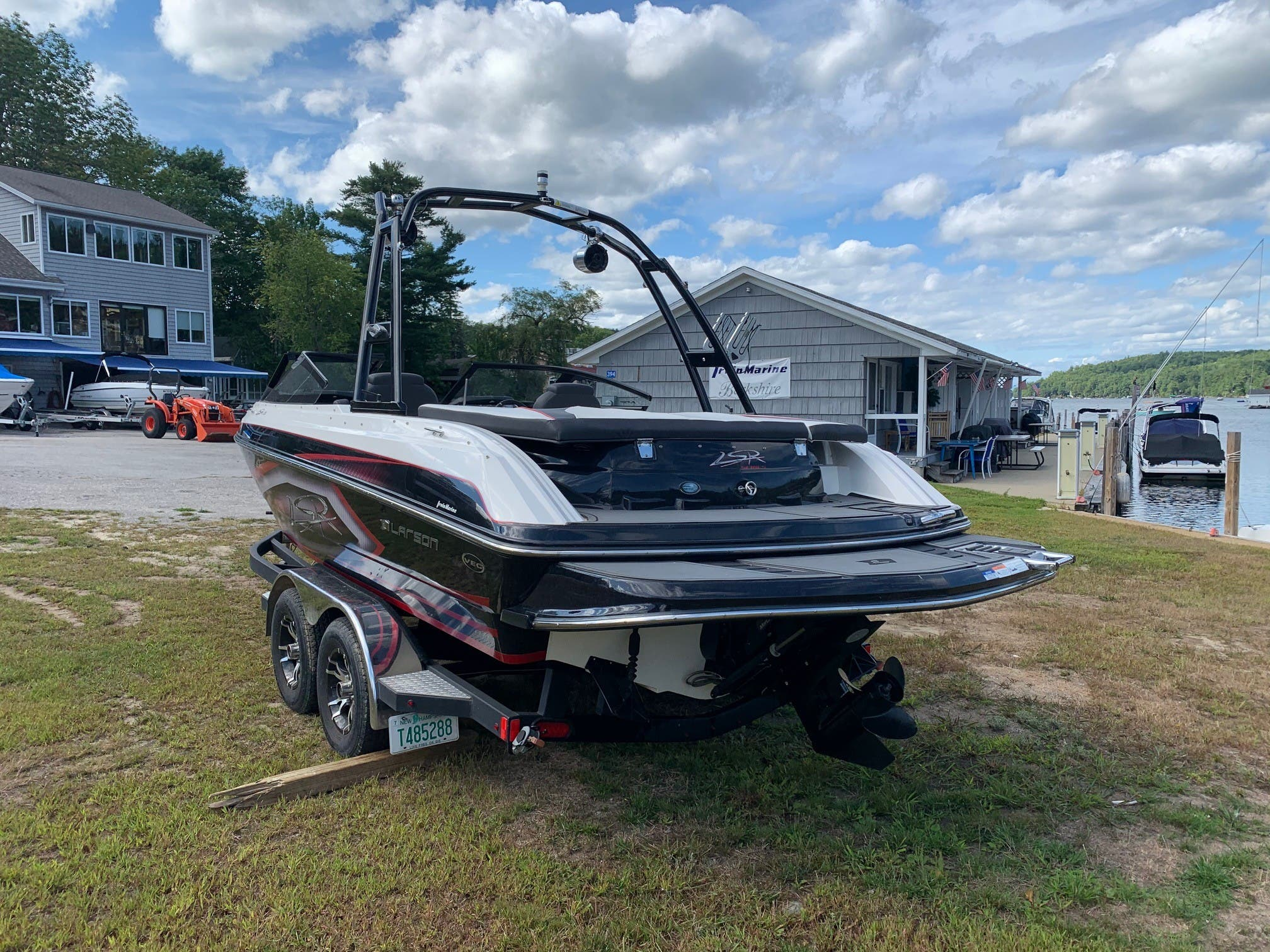 2015 Larson boat for sale, model of the boat is 2300 LSR & Image # 5 of 6