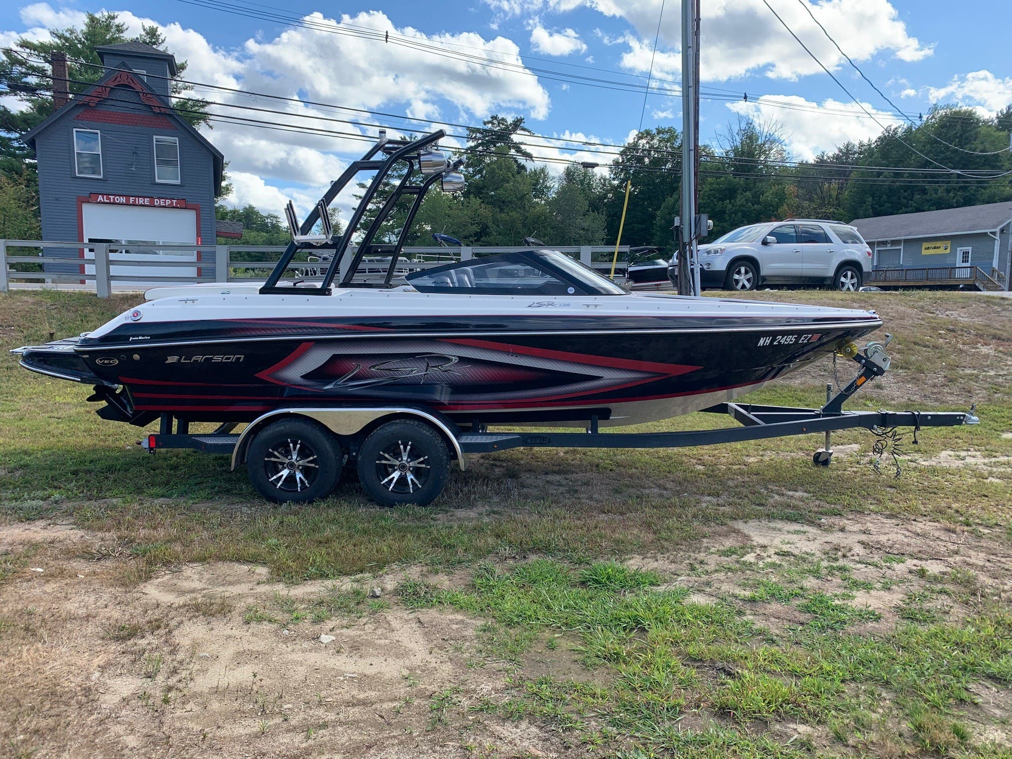 2015 Larson boat for sale, model of the boat is 2300 LSR & Image # 3 of 6