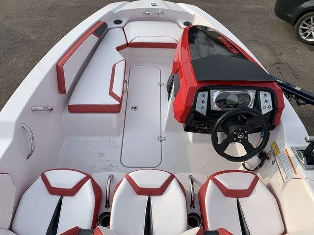 2015 Scarab boat for sale, model of the boat is 165HO/IMPULSE & Image # 5 of 10