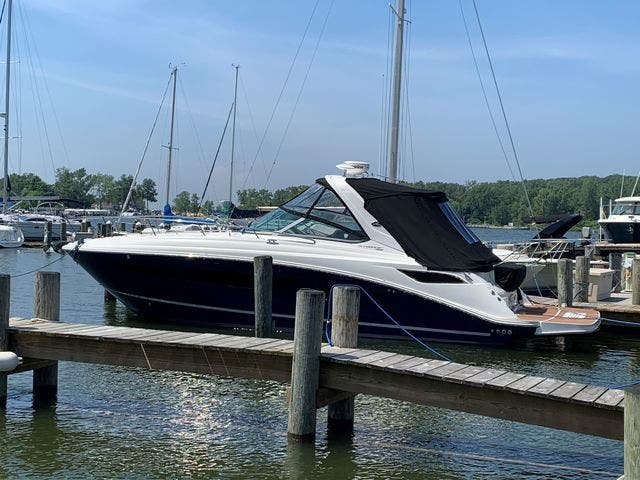 2015 Sea Ray boat for sale, model of the boat is 350 SUNDANCER & Image # 3 of 58