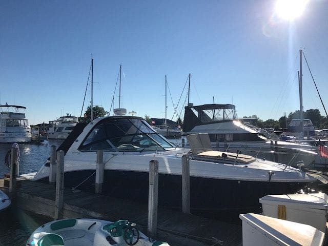 2015 Sea Ray boat for sale, model of the boat is 350 SUNDANCER & Image # 5 of 58