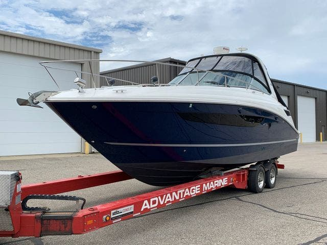 2015 Sea Ray boat for sale, model of the boat is 350 SUNDANCER & Image # 6 of 58