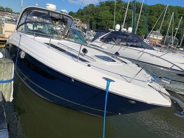 2015 Sea Ray boat for sale, model of the boat is 350 SUNDANCER & Image # 7 of 58