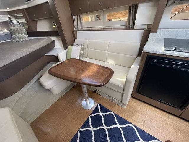 2015 Sea Ray boat for sale, model of the boat is 350 SUNDANCER & Image # 39 of 58
