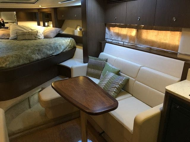 2015 Sea Ray boat for sale, model of the boat is 350 SUNDANCER & Image # 40 of 58