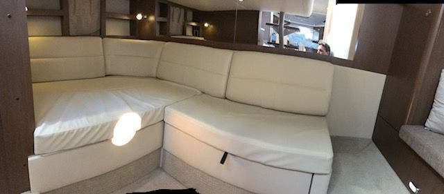 2015 Sea Ray boat for sale, model of the boat is 350 SUNDANCER & Image # 49 of 58