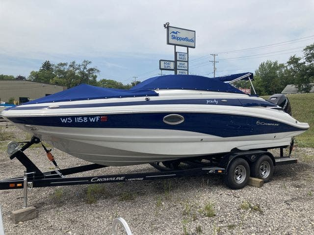 2016 Crownline boat for sale, model of the boat is E4 XS & Image # 3 of 5