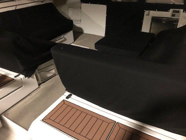 2016 Cruisers Yachts boat for sale, model of the boat is 390 EC & Image # 3 of 19