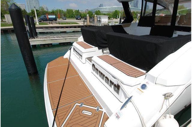 2016 Cruisers Yachts boat for sale, model of the boat is 390 EXPRESS & Image # 4 of 28