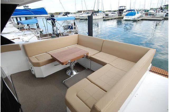 2016 Cruisers Yachts boat for sale, model of the boat is 390 EXPRESS & Image # 9 of 28