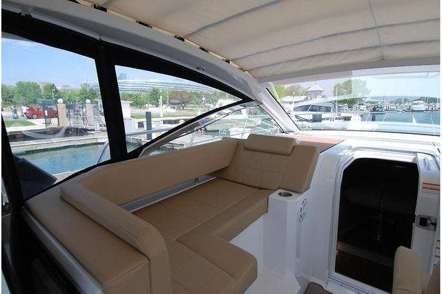 2016 Cruisers Yachts boat for sale, model of the boat is 390 EXPRESS & Image # 16 of 28