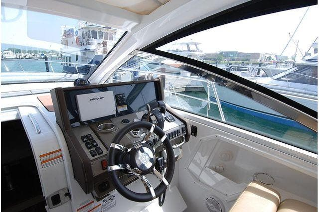 2016 Cruisers Yachts boat for sale, model of the boat is 390 EXPRESS & Image # 18 of 28