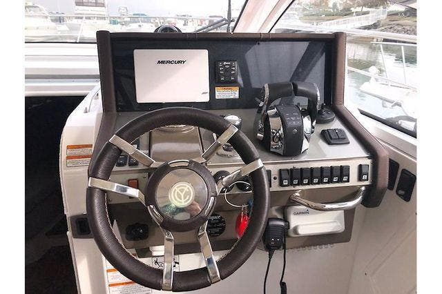 2016 Cruisers Yachts boat for sale, model of the boat is 390 EXPRESS & Image # 19 of 28
