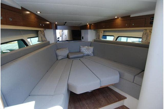2016 Cruisers Yachts boat for sale, model of the boat is 390 EXPRESS & Image # 20 of 28