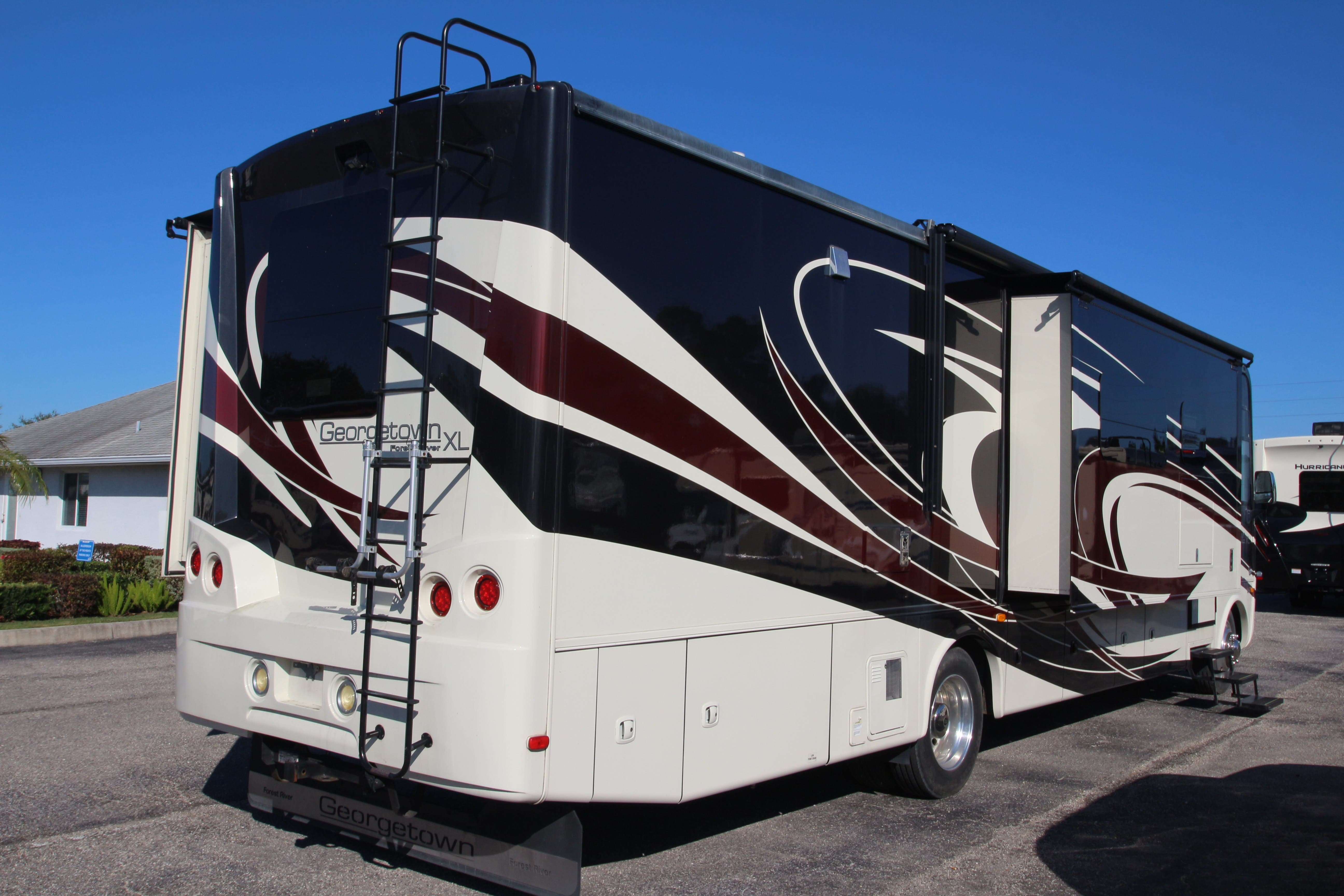 2016 Forest River Georgetown XL 377TS Thumbnail