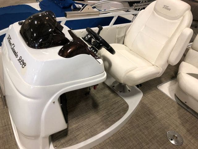 2016 JC boat for sale, model of the boat is 266 TRI-TOON & Image # 11 of 24